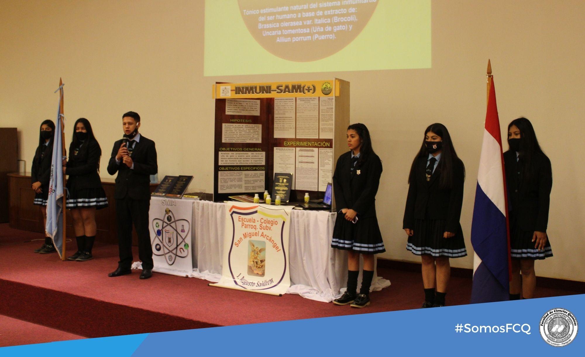 Presentación y defensa de proyecto de investigación científica. Colegio Parroquial Subv. San Miguel Arcángel